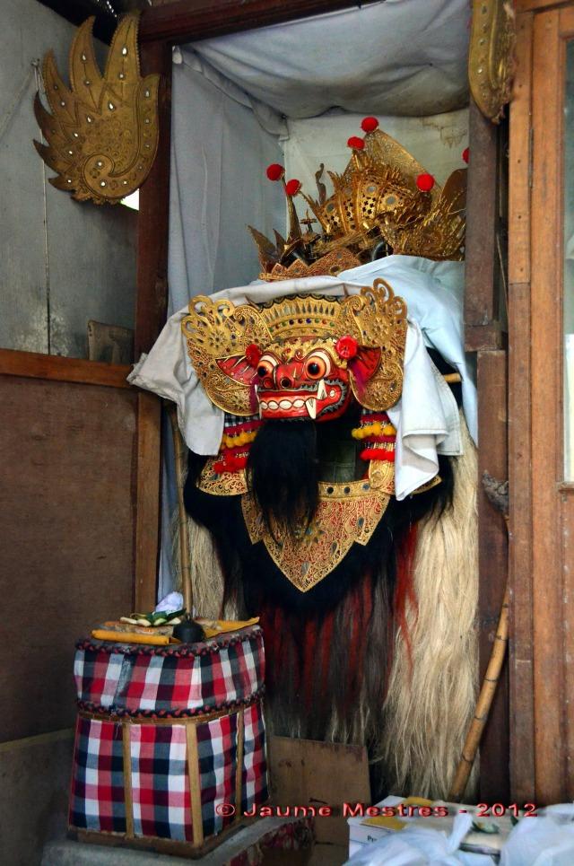 El Barong Ket és l'única criatura que pot enfrontar-se a Rangda i neutralitzar-la, que no vèncer-la. En la mitologia balinesa el mal és impossible d'eliminar.