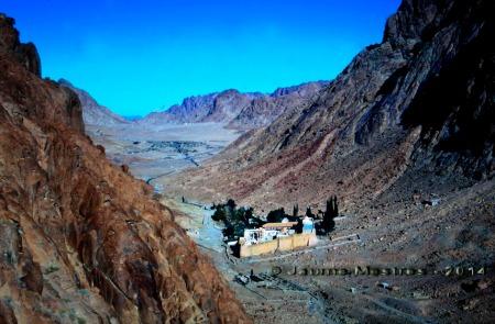 El monestir de Santa Caterina des de l'escala del Penediment. Mont Sinaí